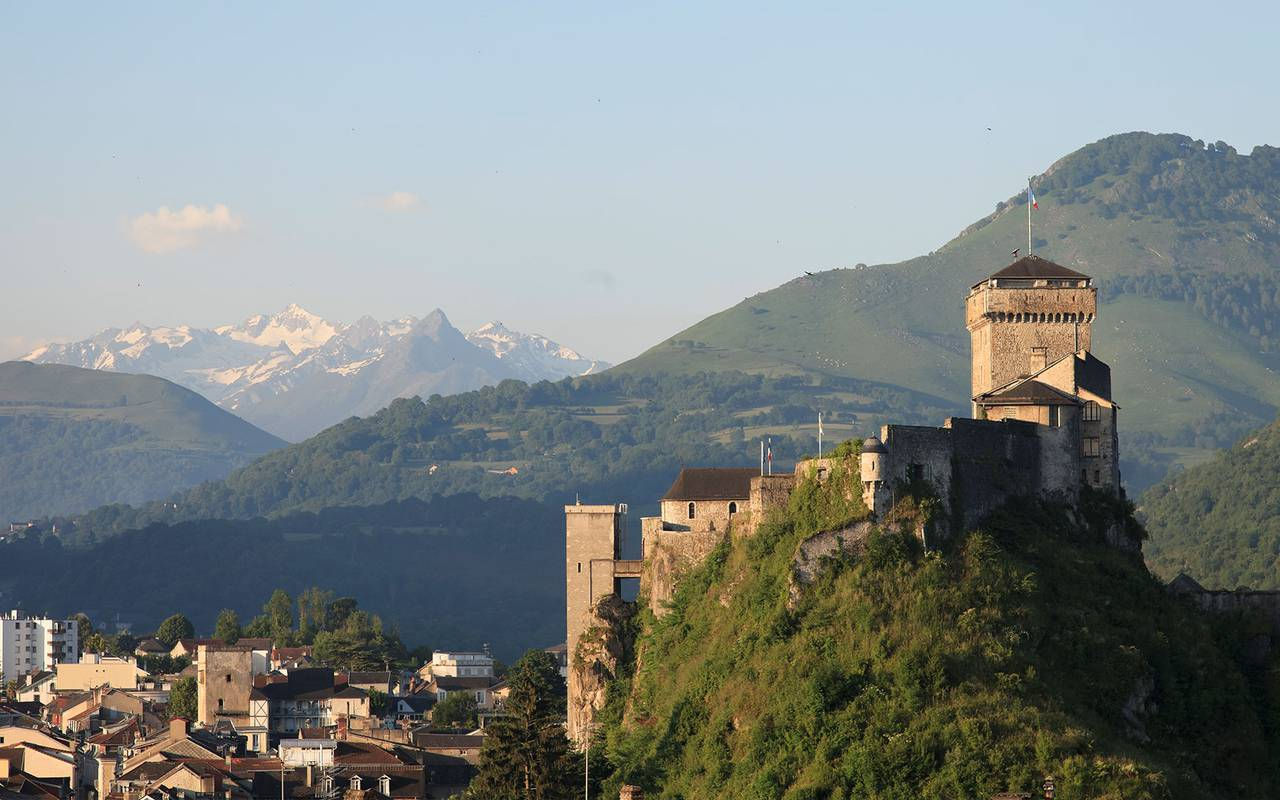 Castle of Lourdes, trip to lourdes, hotel Sainte-Rose
