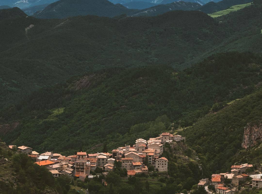 Vue de Lourdes, activité en famille Occitanie, hôtel Sainte-Rose