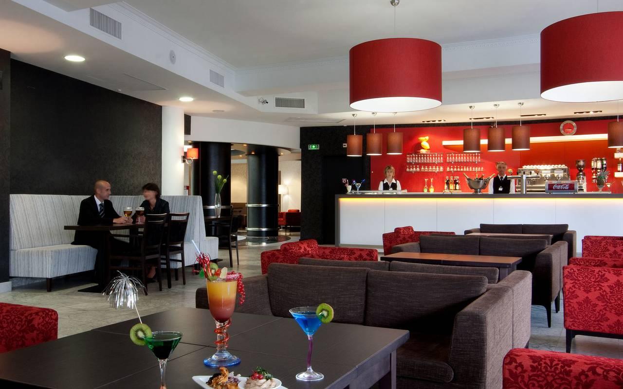Salon du bar, restaurant buffet Lourdes, hotel Sainte Rose