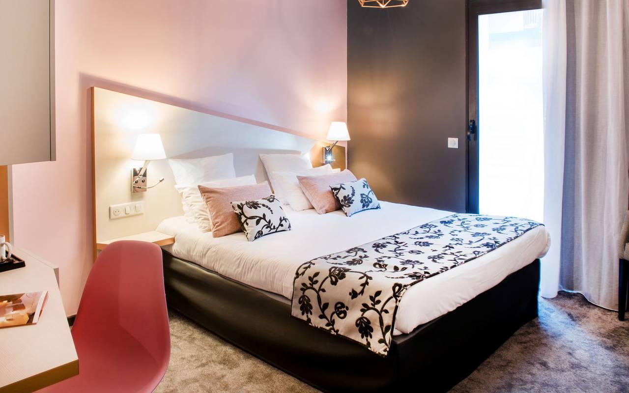 Belle chambre double, hôtel de charme Hautes Pyrénées, hôtel Sainte-Rose
