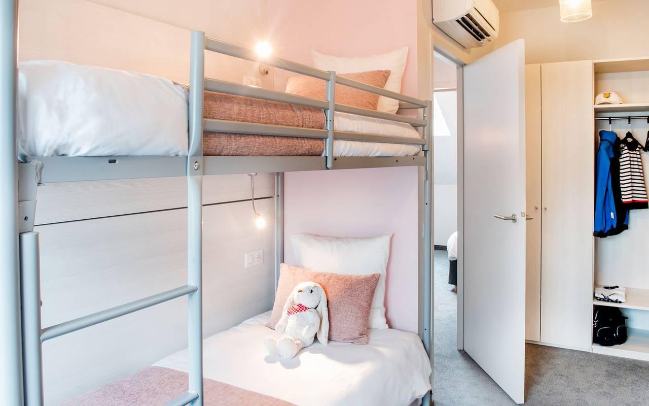 chambre avec lits superposés, hébergement Lourdes, hôtel Sainte-Rose