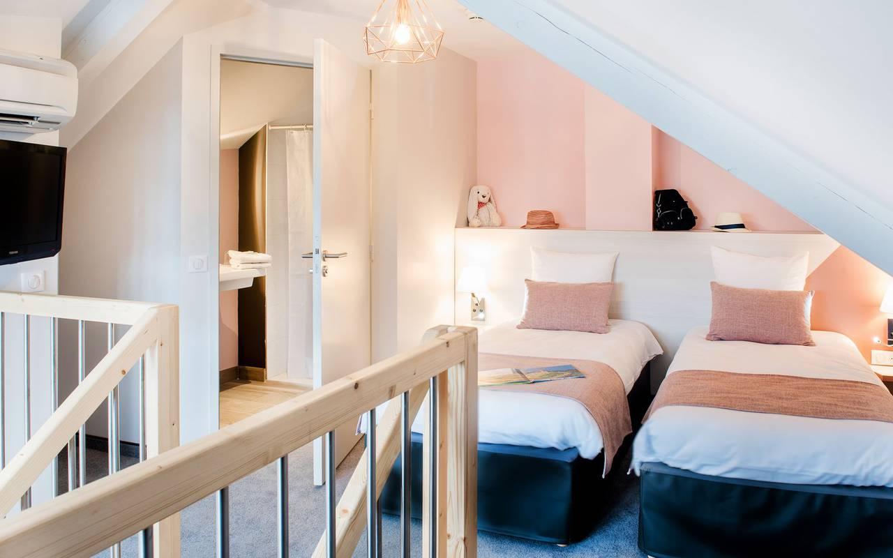 chambre avec lits jumeaux, hébergement Lourdes, hôtel Sainte-Rose