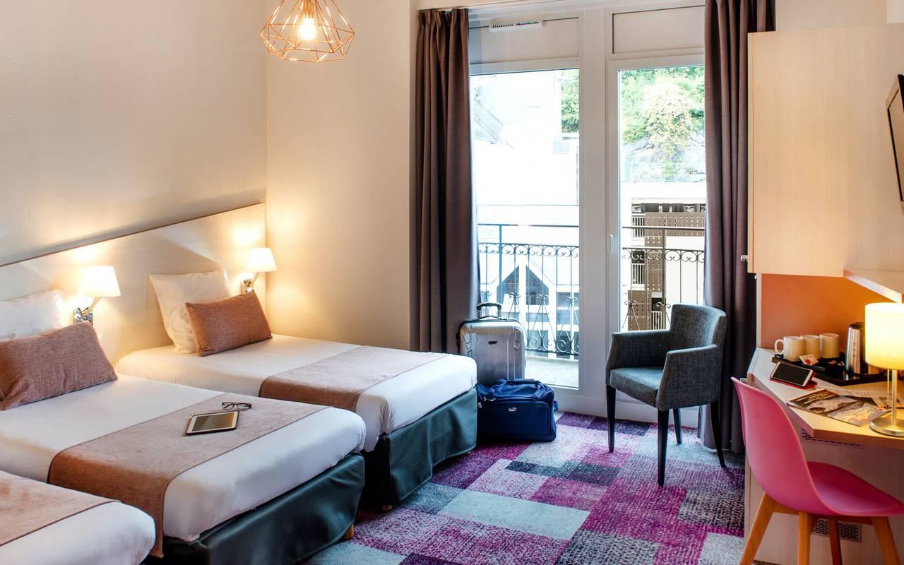Chambre triple, hôtel Pyrénées, hôtel Sainte Rose