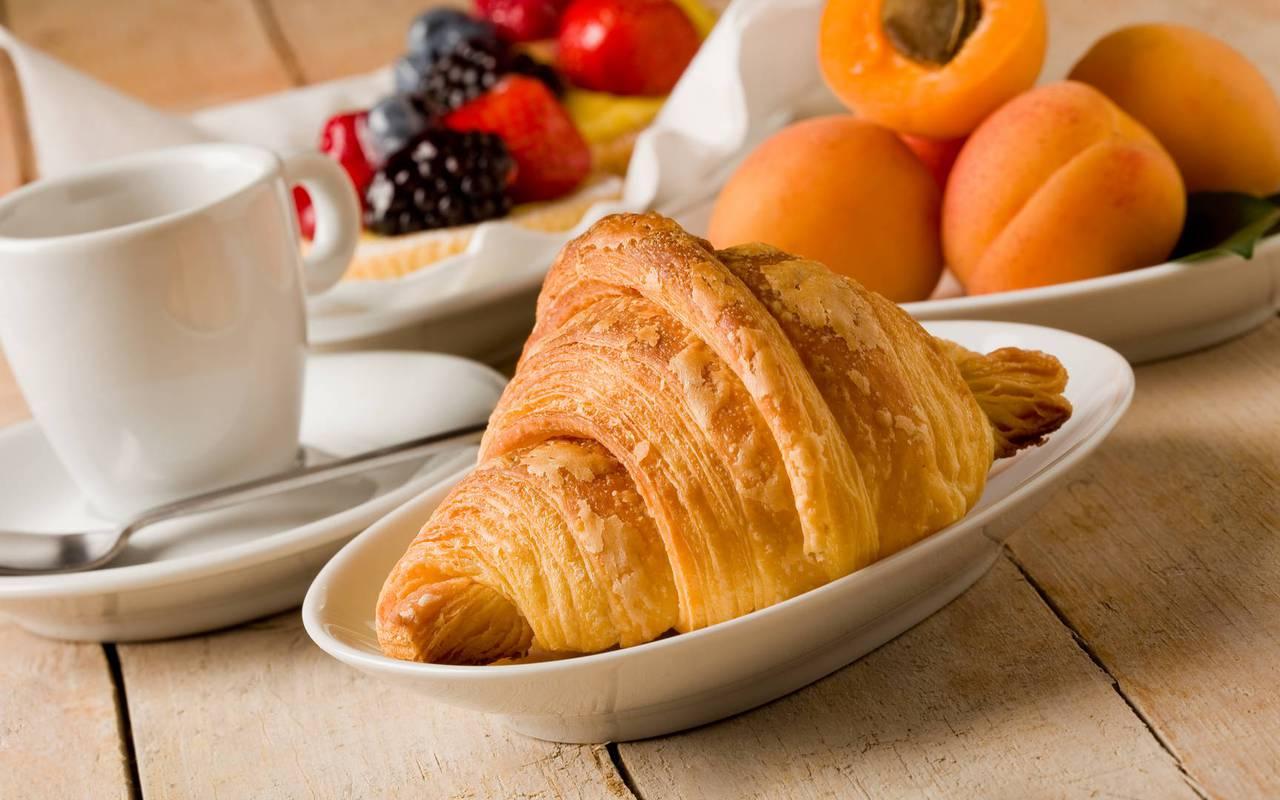 Petit-déjeuner, hôtel Hautes Pyrénées, hôtel Sainte Rose